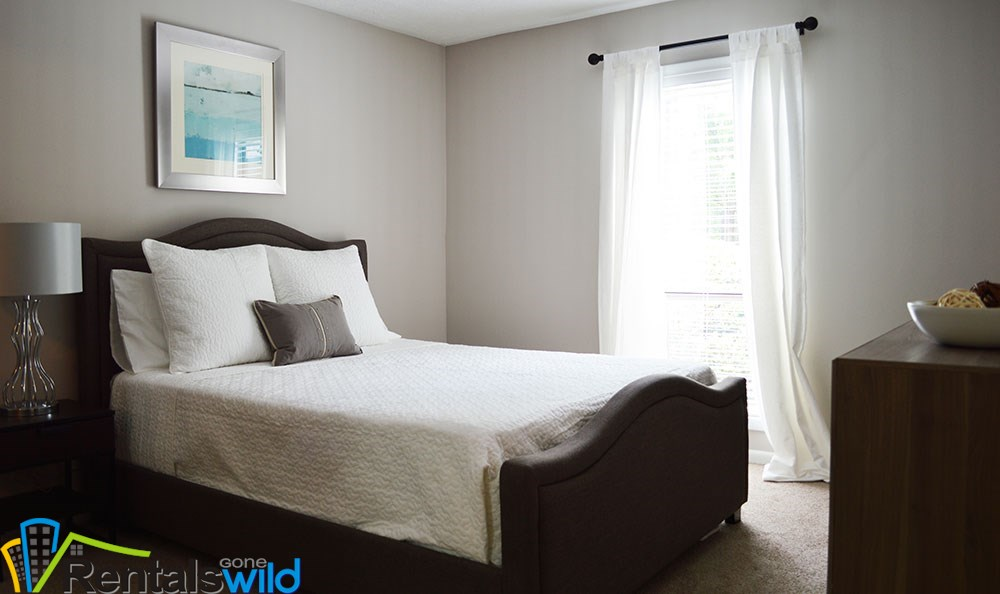 bedroom-inside-smyrna-modern-apartments